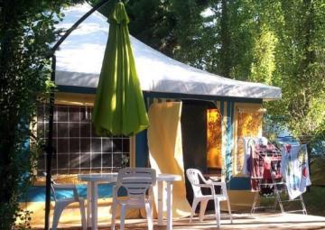 Bungalow toilé meublé ECO 25m² (2 chambres) + parasol - sans sanitaires