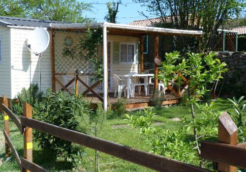 mobile home sureau (20 m²) 2 chambres. 4 personnes