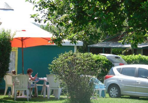 Bungalow toilé meublé ECO 25m² (2 chambres) - avec sanitaires- terrasse couverte